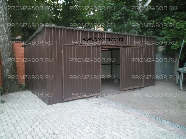 Двухэтажный гараж с односкатной
